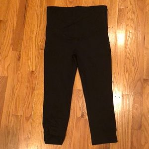 Over-the-belly workout capris! Great condition!